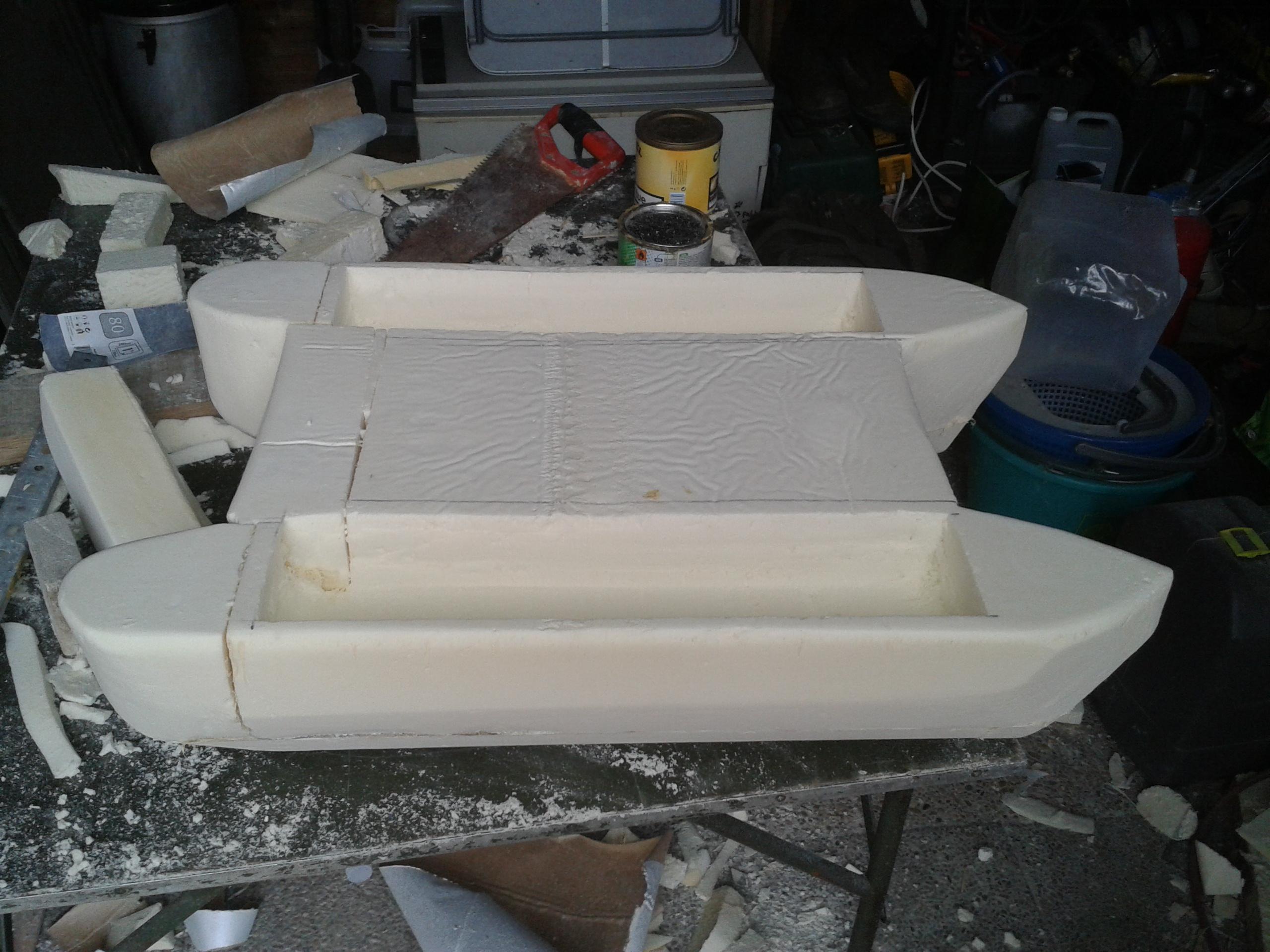 bateau amorceur fibre de verre