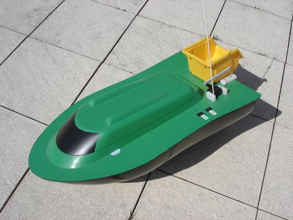 bateau amorceur fisherboat