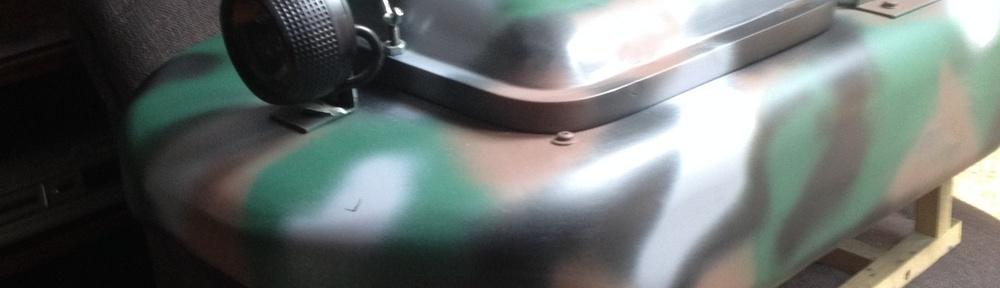 bateau amorceur jerrican