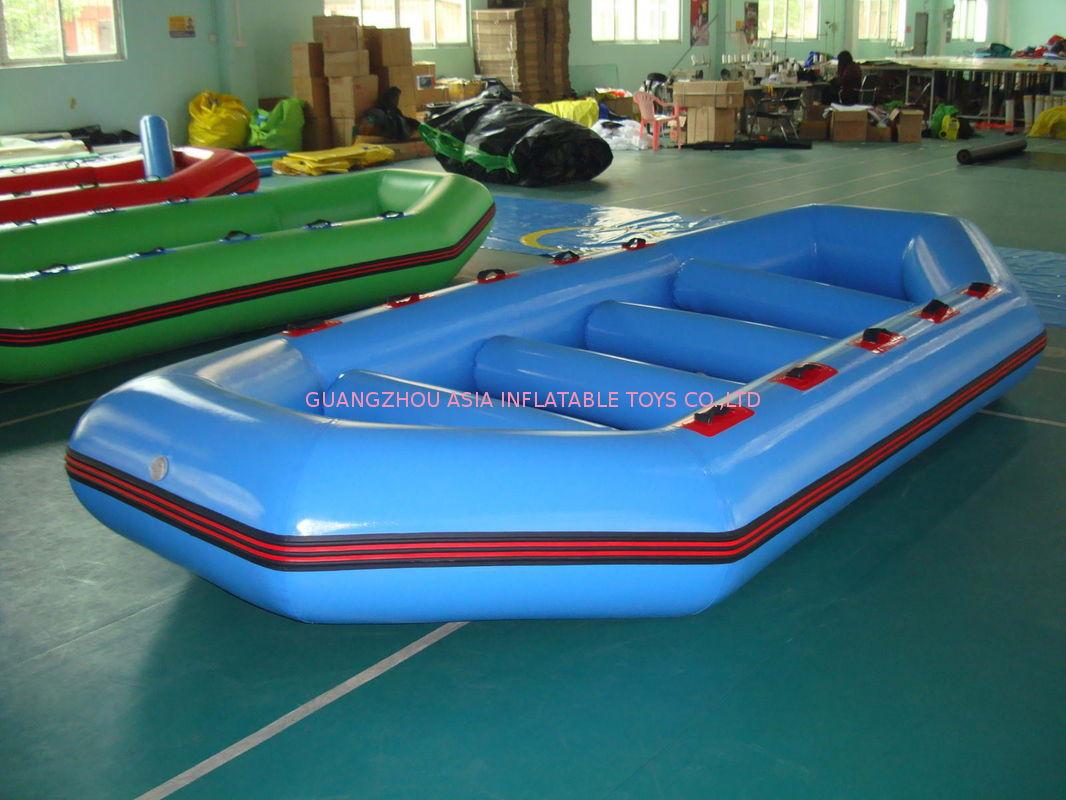 bateau gonflable 8 places