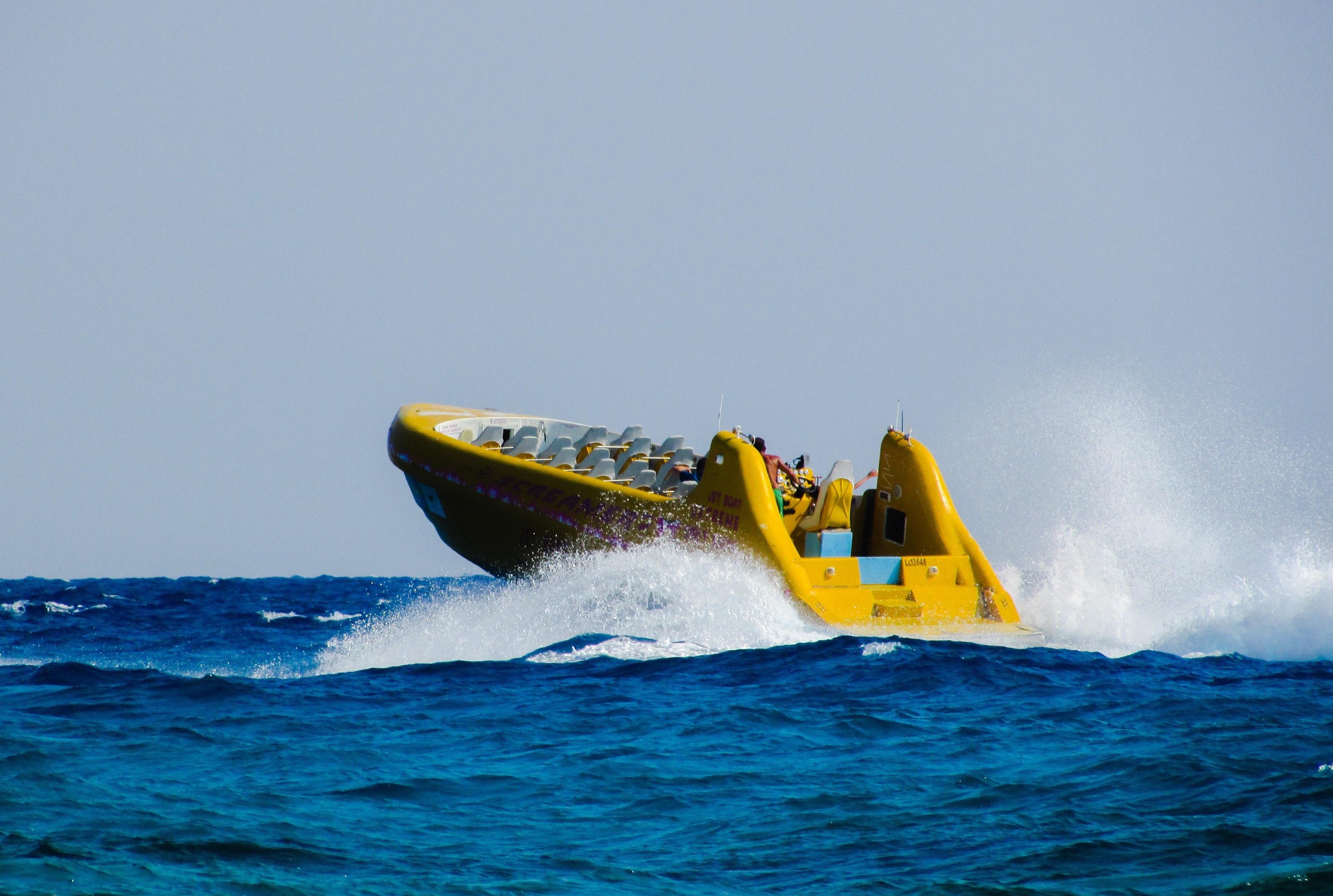 bateau gonflable action