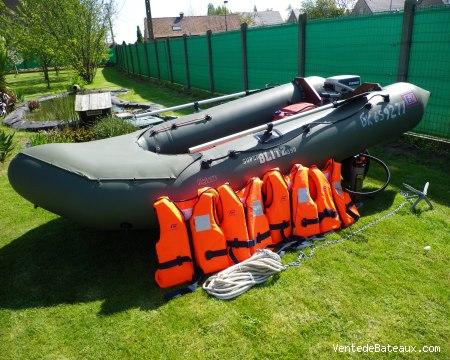 bateau gonflable d'occasion