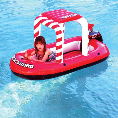 bateau gonflable de piscine