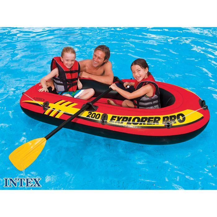 bateau gonflable piscine