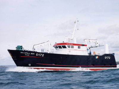 bateau peche commercial a vendre