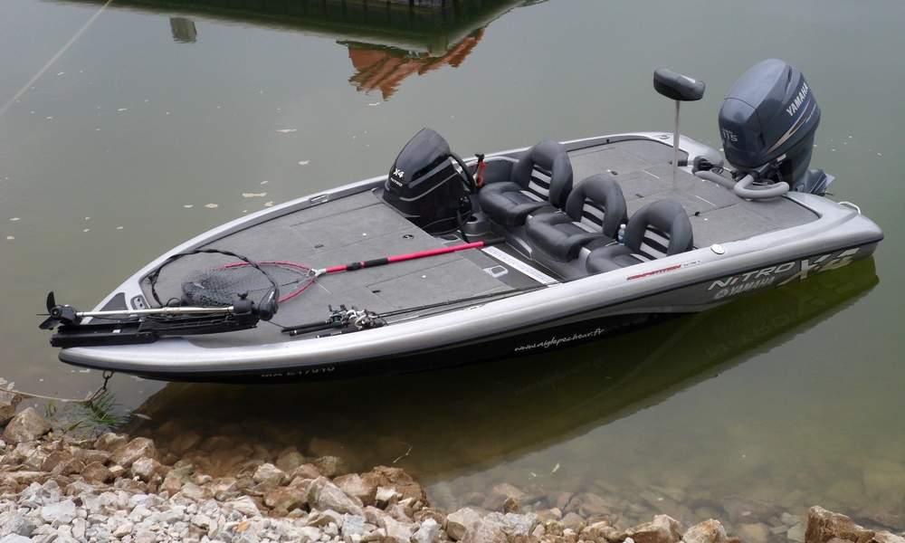 bateau peche lac