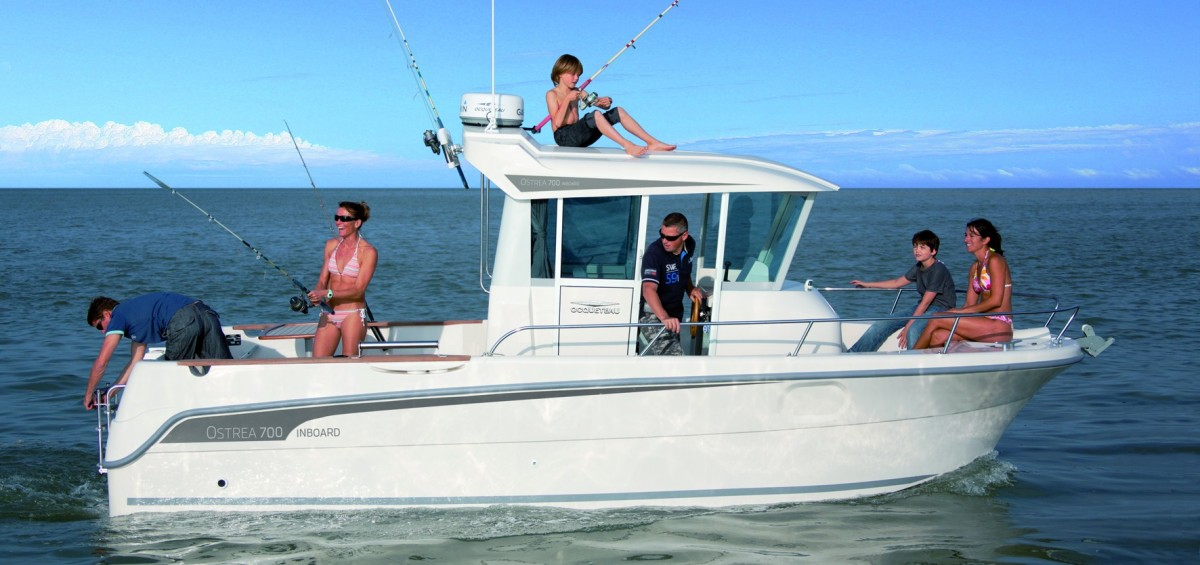 bateau peche loisir