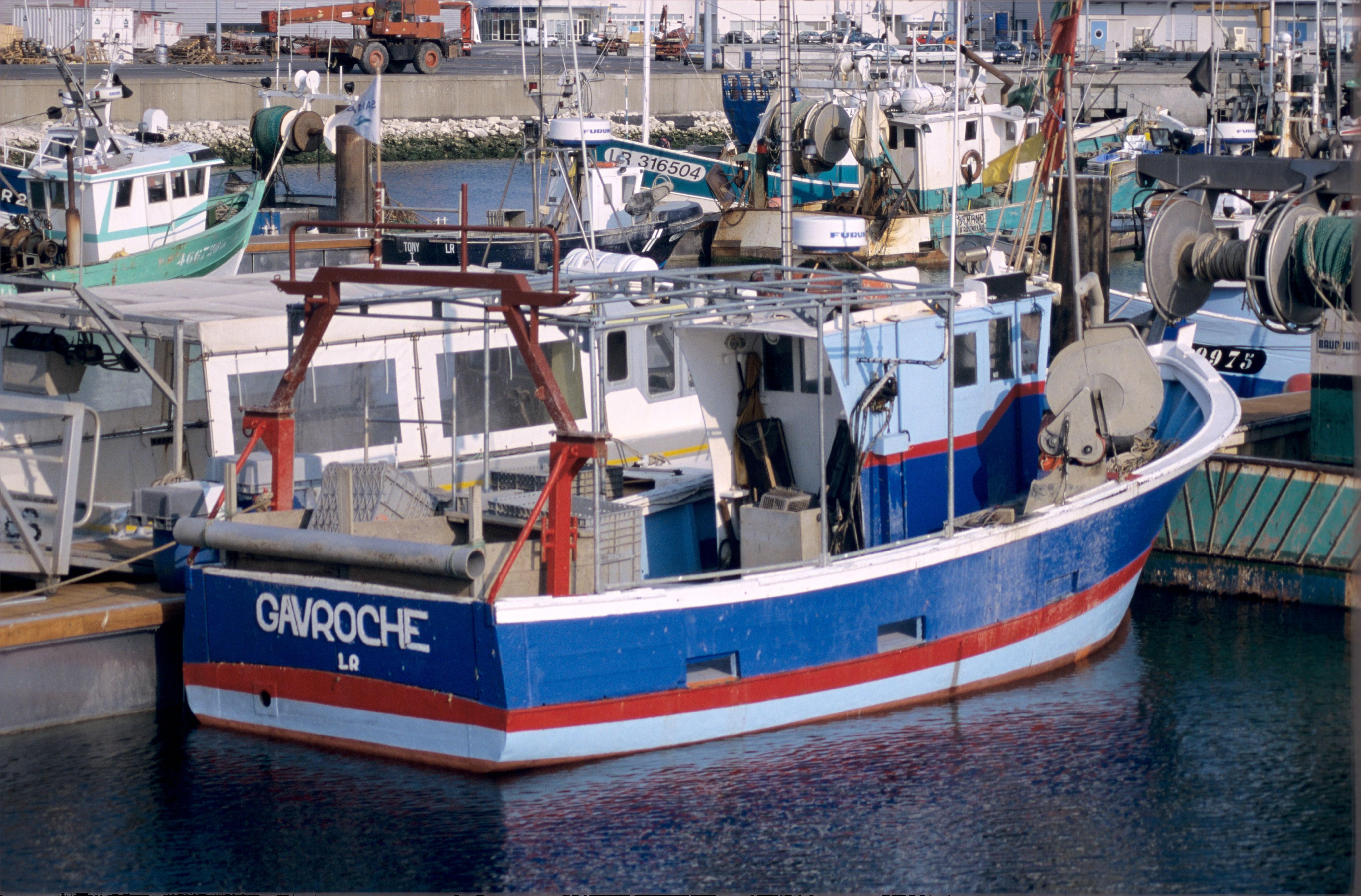 bateau peche nom