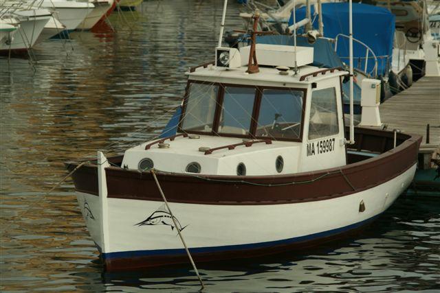 bateau peche promenade timonier