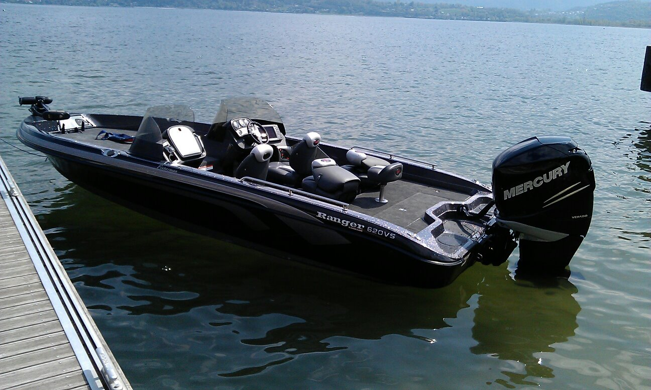 bateau peche ranger