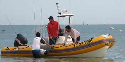 bateau peche semi rigide