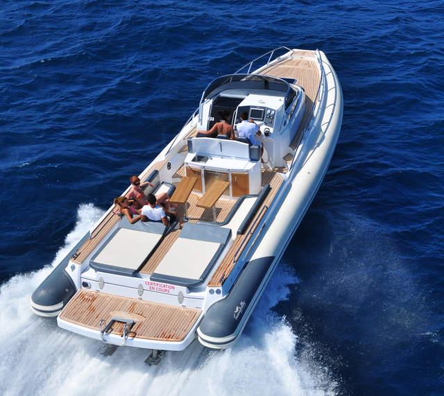 bateau pneumatique 15 metres