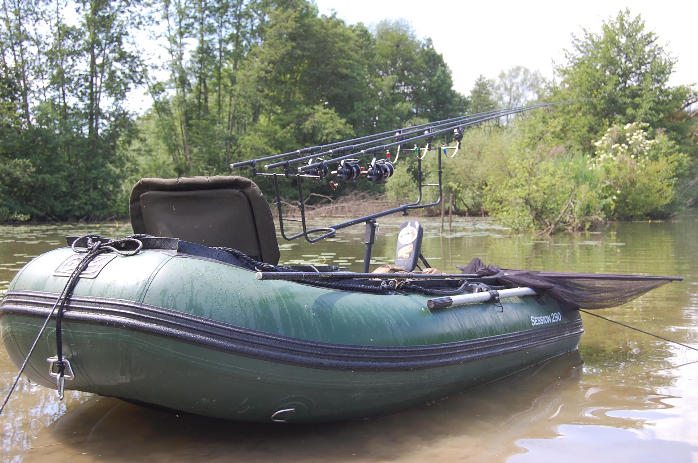 bateau pneumatique de peche occasion