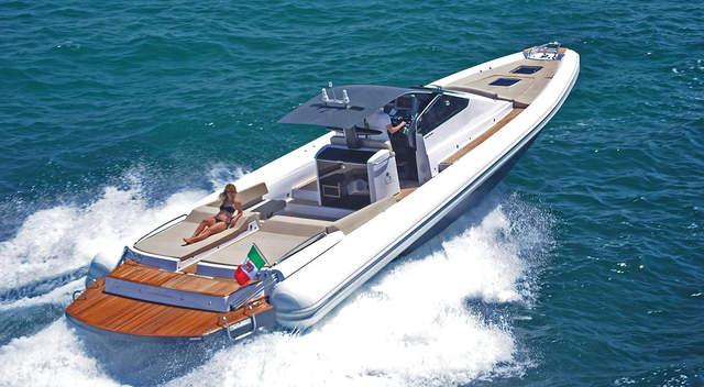 bateau pneumatique habitable
