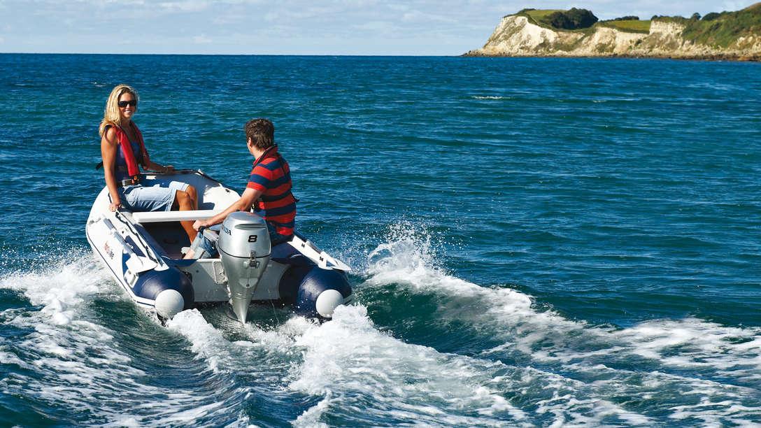 bateau pneumatique honda