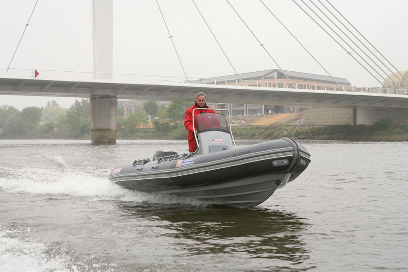 bateau pneumatique narwhal