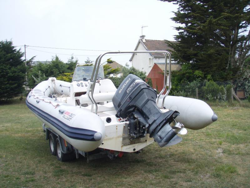 bateau pneumatique ou rigide