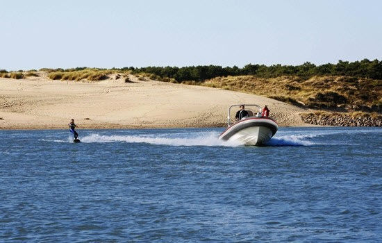 bateau pneumatique richard stone