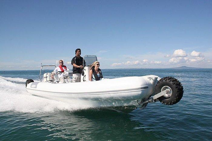 bateau pneumatique roulant