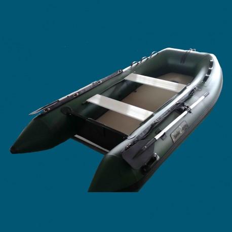 bateau pneumatique vert