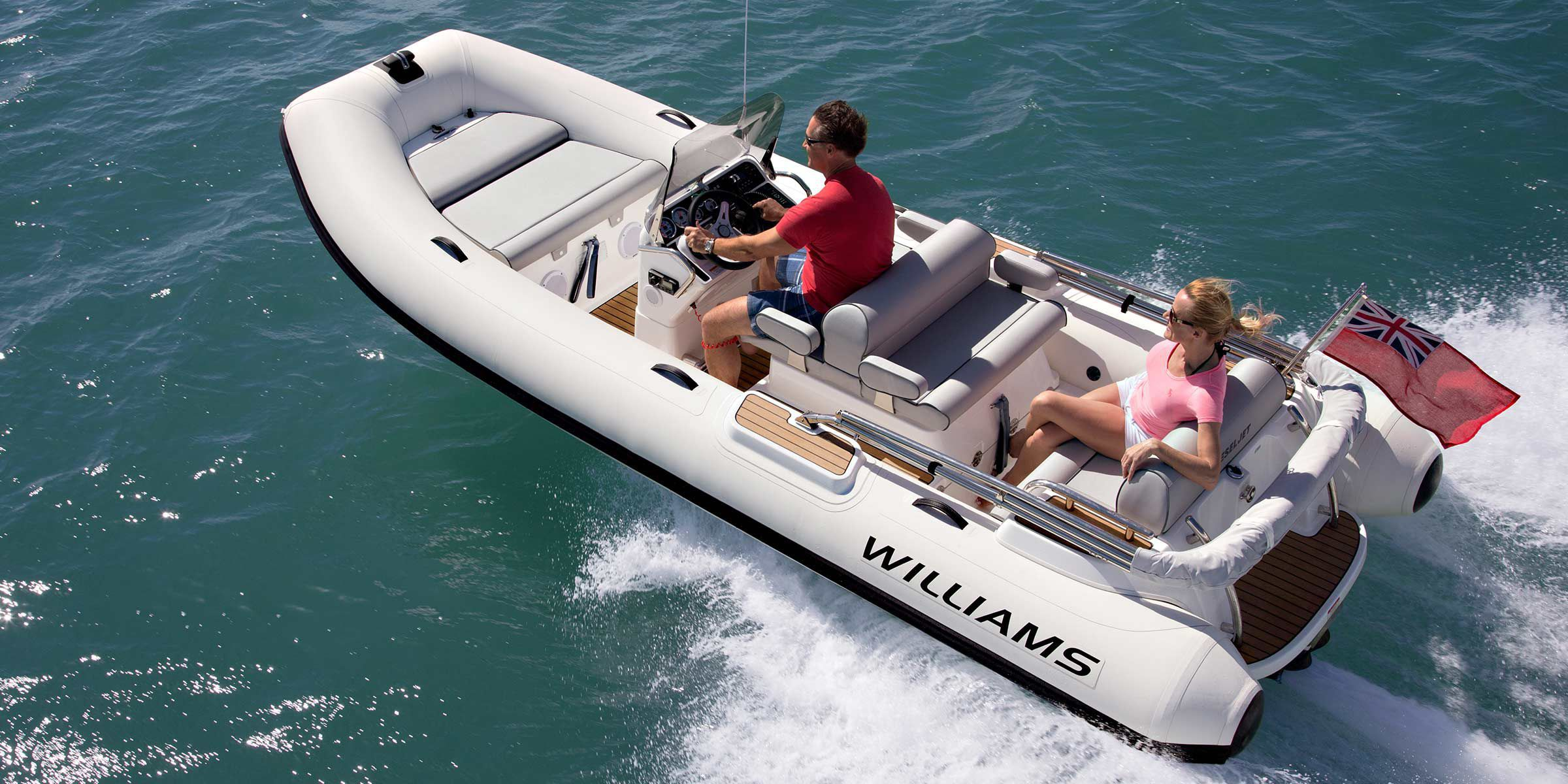 bateau pneumatique williams