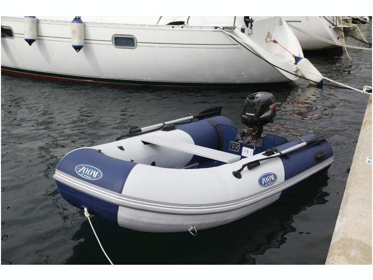 bateau pneumatique zoom