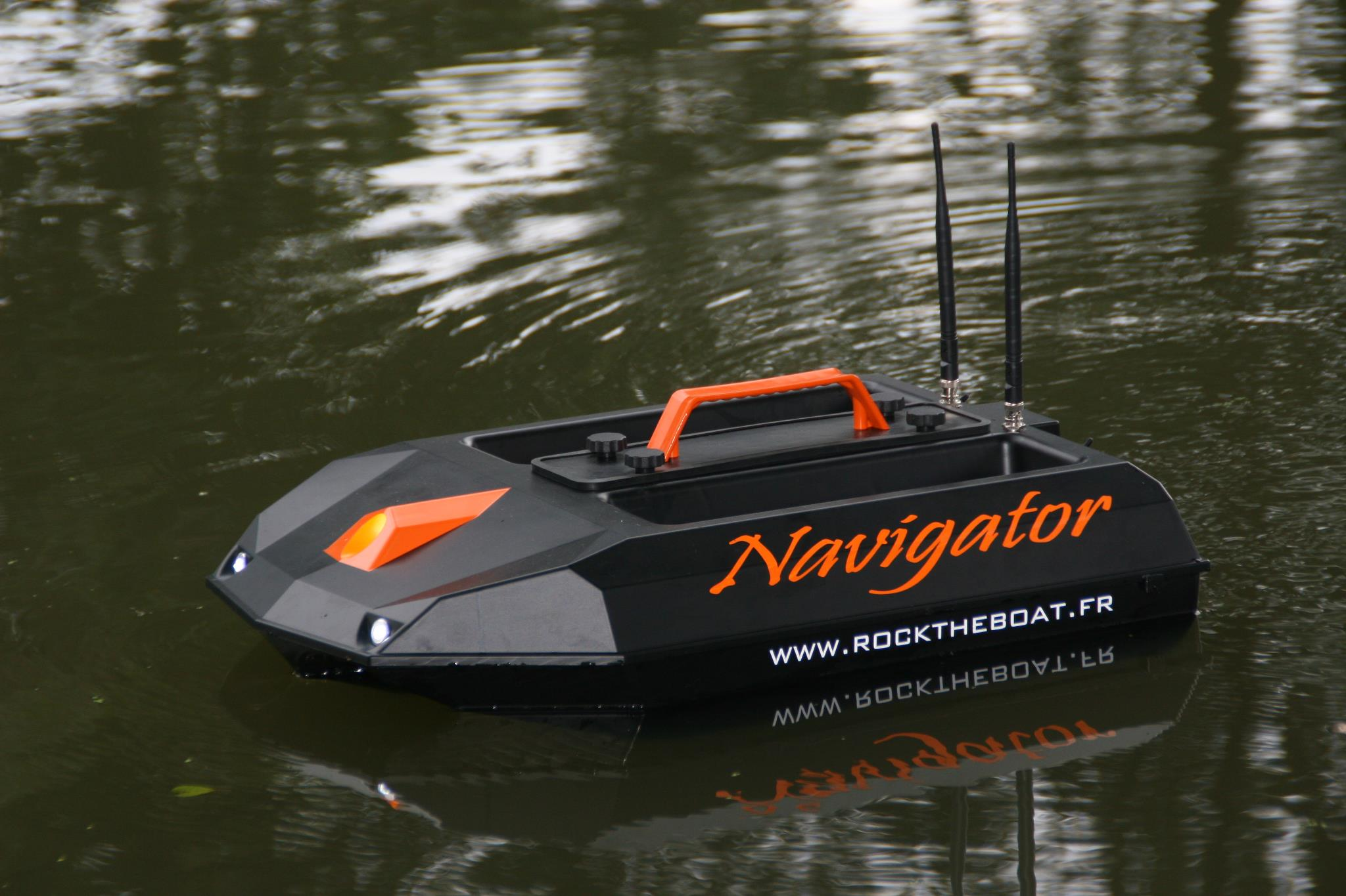 bateau amorceur navigator
