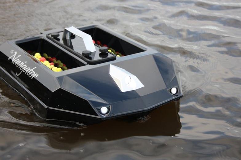 bateau amorceur peche