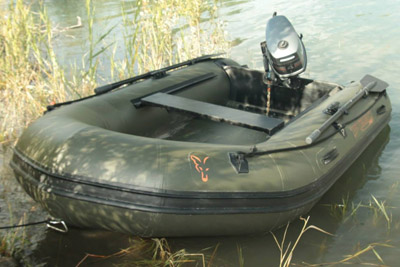 bateau gonflable vert