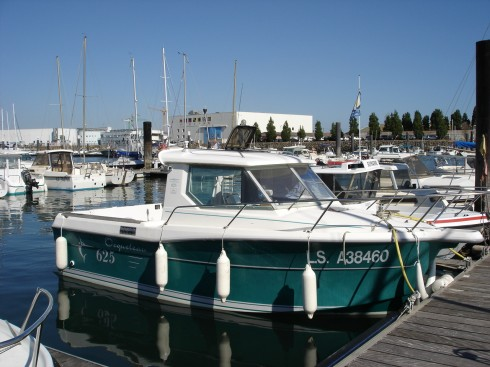 bateau peche cabine occasion