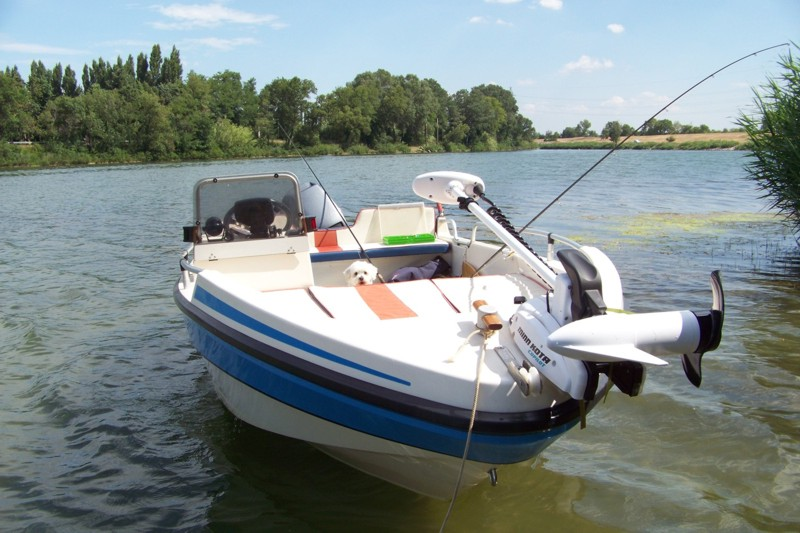 bateau peche moteur electrique