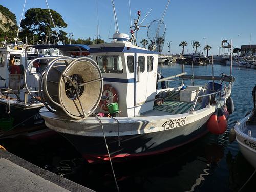 bateau peche rhone