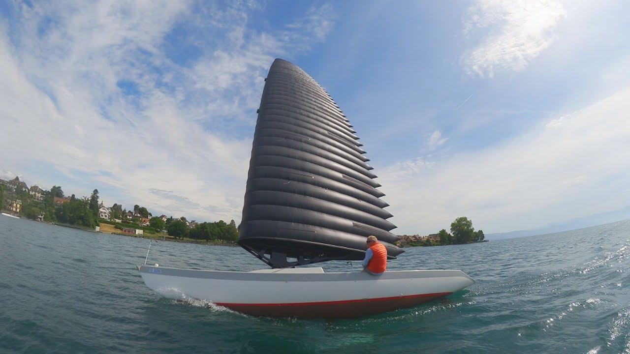 bateau pneumatique a voile
