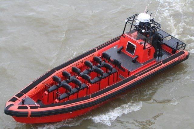 bateau pneumatique compass