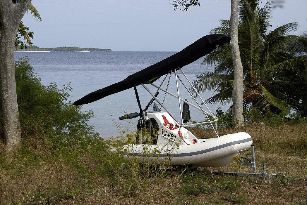 bateau pneumatique deltaplane