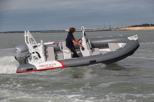 bateau pneumatique highfield