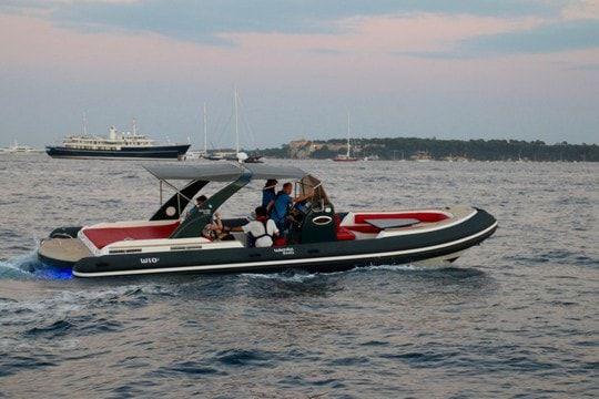 bateau pneumatique inboard