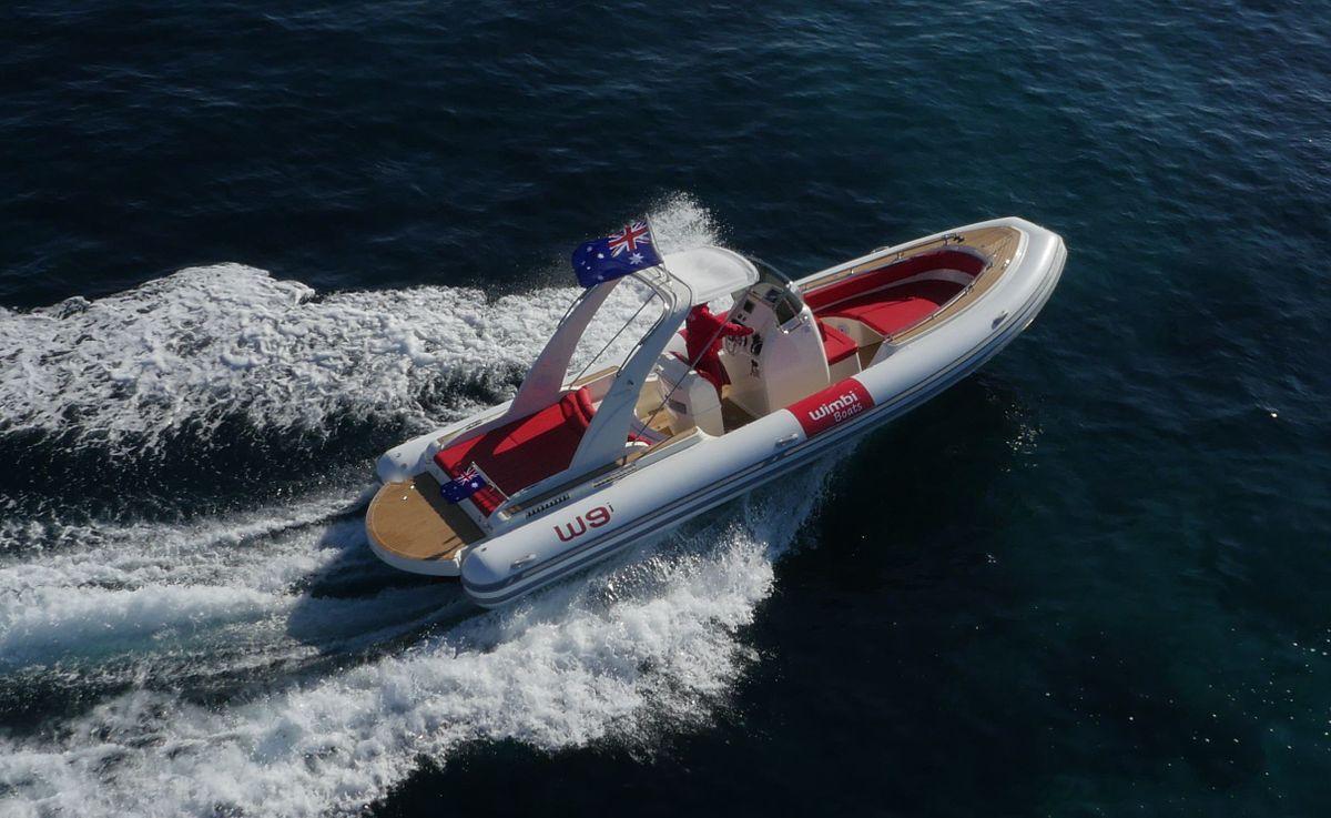 bateau pneumatique insubmersible
