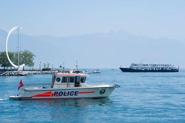 bateau pneumatique lac leman