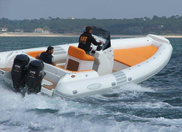 bateau pneumatique rigide