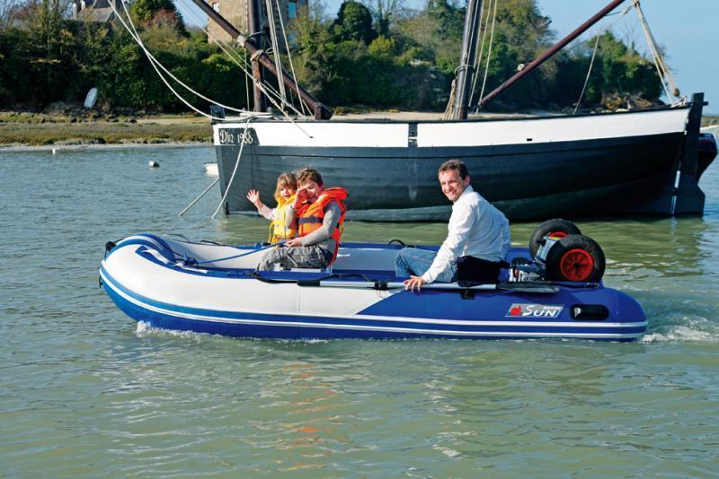 bateau pneumatique transportable