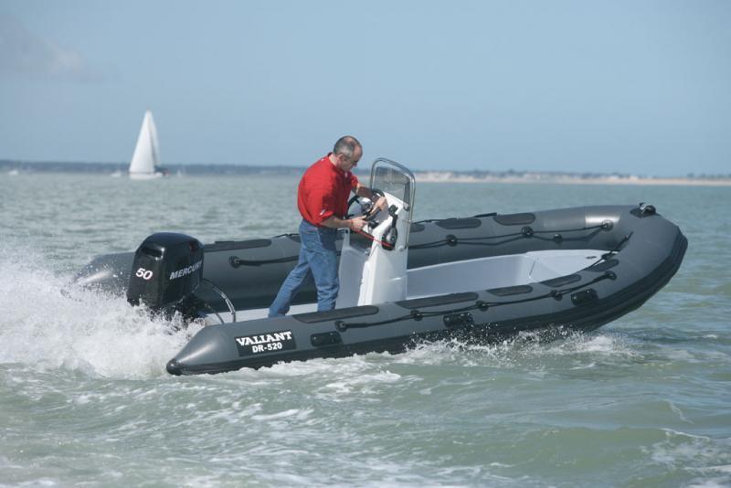bateau pneumatique valiant 520
