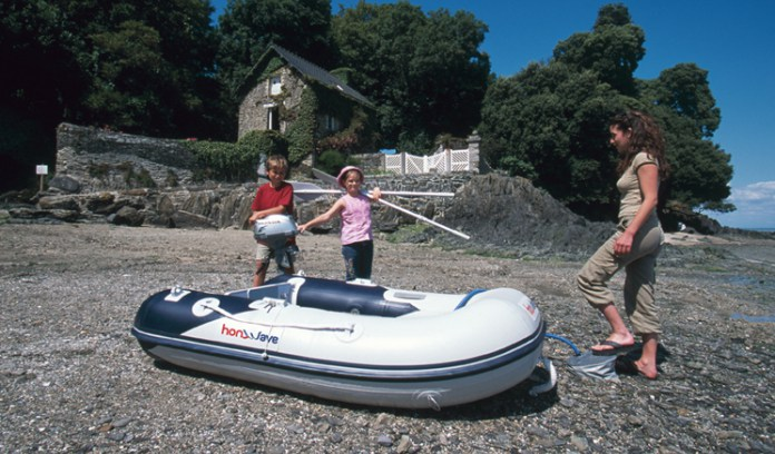 bateau pneumatique vintage