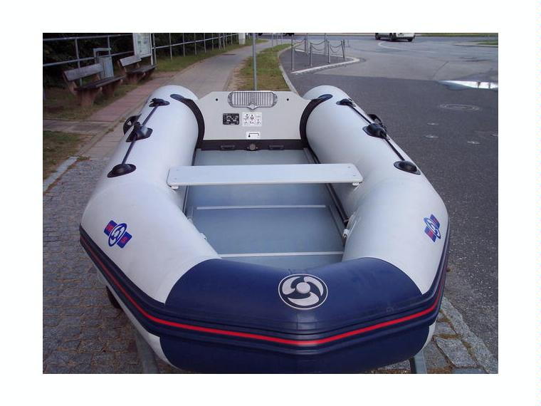 bateau pneumatique yamaha