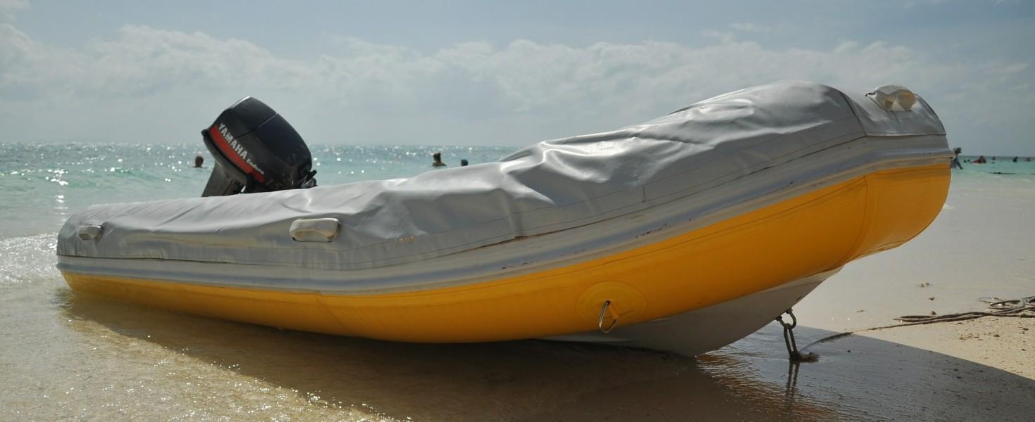 bateau pneumatique zodiac moteur